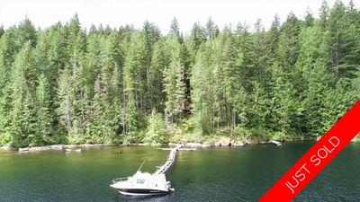 Powell Lake Lakefront Cabin for sale: 584 sq.ft. (Listed 2020-06-12)